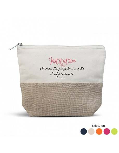Trousse couleur - Institutrice souriante
